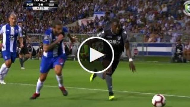 Vitória SC reentra no jogo com um golo de um antigo dragão