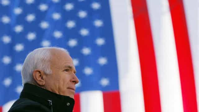 Bloco, PCP e PEV contra voto de pesar do PSD pela morte de John McCain