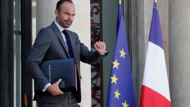 Esquerda francesa apresenta moção de censura ao governo