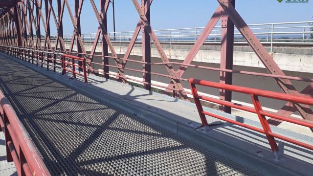 Apanhado em flagrante a furtar metal de uma ponte