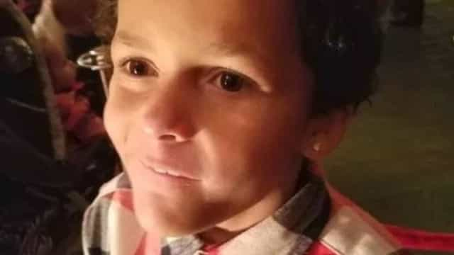 Menino de nove anos encontrado morto. Foi vítima de bullying por ser gay