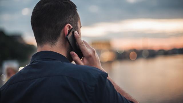 Clientes que ligam para outras operadoras deixam de ter aviso