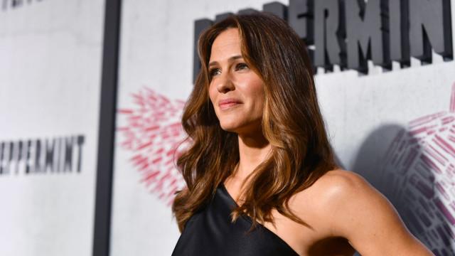 Apesar de reabilitação de Ben Affleck, Jennifer Garner arrasa em evento