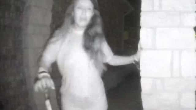 Já se sabe quem é a mulher mistério que tocou à campainha de várias casas