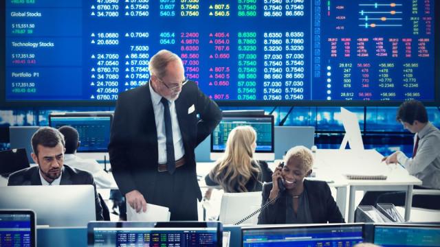 Bolsas europeias em alta, atentas à subida do preço do petróleo