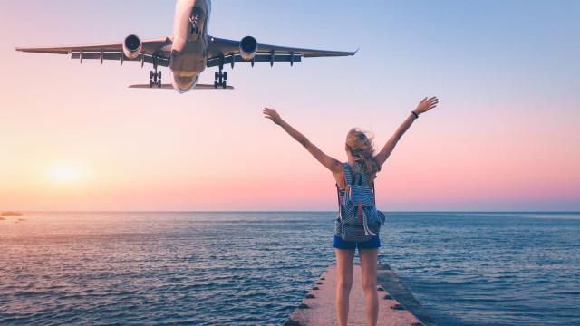 Eis o dia (e hora) mais barato para reservar um voo com partida de Lisboa
