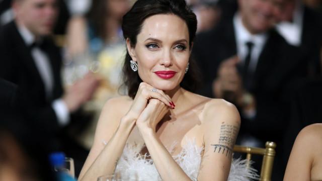 """Angelina Jolie estará a pesar """"34 quilos"""" adianta revista"""