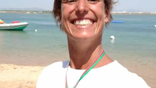 Nadadora liga Lagos e Portimão pela Alzheimer Portugal
