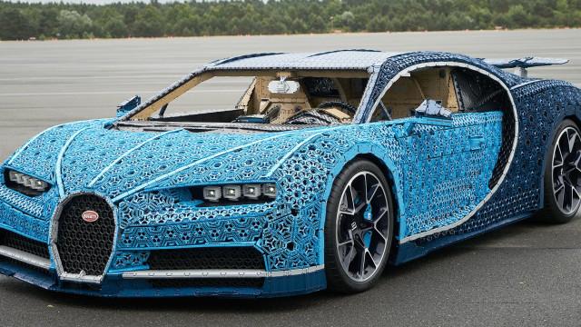 Este Bugatti é feito com Lego. Infelizmente, tem uma desvantagem