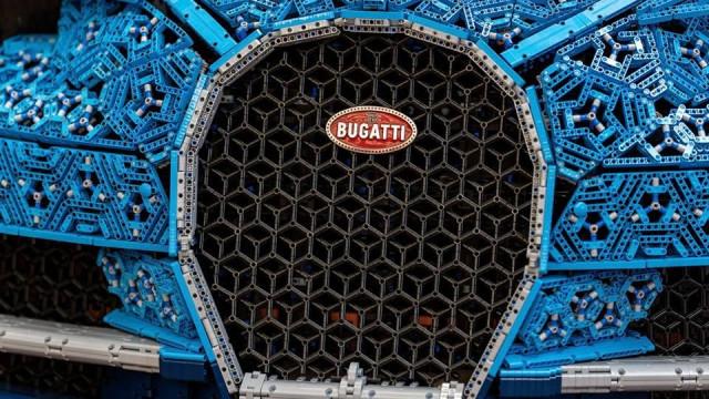 Eis o primeiro Bugatti construído com peças Lego. E dá para conduzir