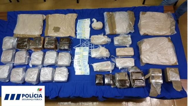 Detida no aeroporto de Lisboa com mais de 100 mil doses de droga