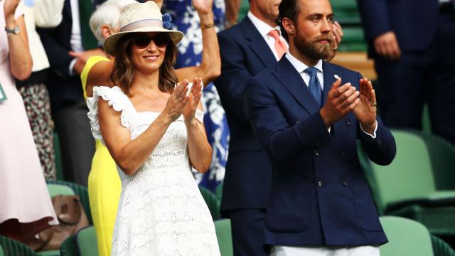 Em biquíni, Pippa Middleton exibe barriga de grávida em 'escapadinha'