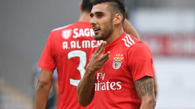 """""""Maxi Pereira ou Fábio Coentrão? Eu sou o Salvio"""""""
