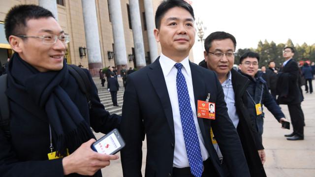 Multimilionário chinês detido nos EUA acusado de má conduta sexual