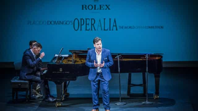 Ministro da Cultura congratula tenor Luís Gomes por prémios no Operalia