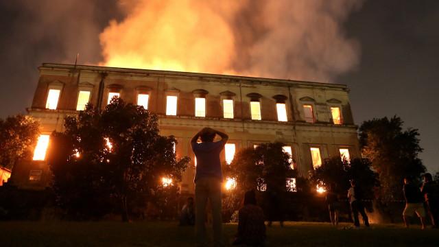 """Incêndio é uma """"tragédia para Portugal"""". Governo Temer tem culpa"""