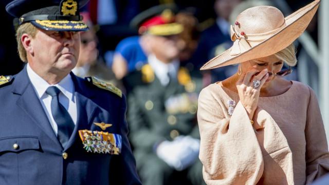 Rainha Máxima de Holanda em lágrimas durante cerimónia