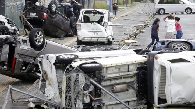 Tufão Jebi causou seis mortos e 170 feridos no Japão