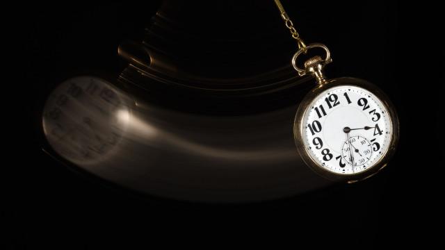 Comissão Europeia propõe fim de mudança de hora em 2019