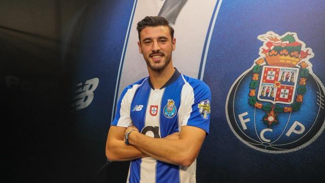 Oficial: André Pereira renova com o FC Porto