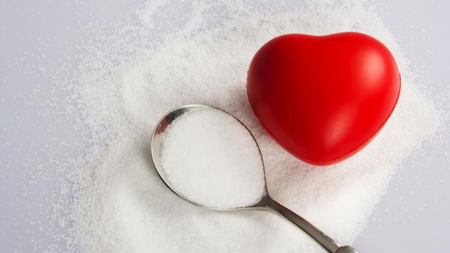 Combate à hipertensão. Reduza o consumo de sal assim...