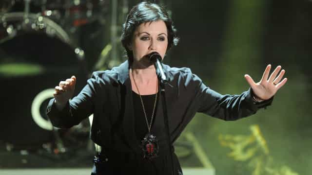 Reveladas causas da morte da vocalista dos Cranberries