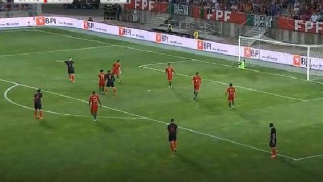 Erro de Rúben Neves e precisão de Perisic colocam Croácia a vencer