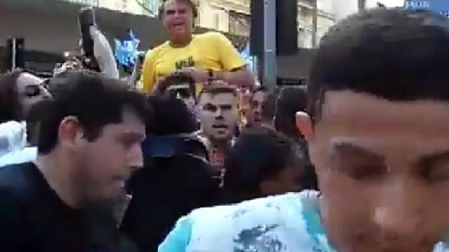Bolsonaro esfaqueado durante campanha em Minas Gerais
