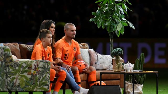 Eis a últimas imagens de Sneijder na laranja mecânica