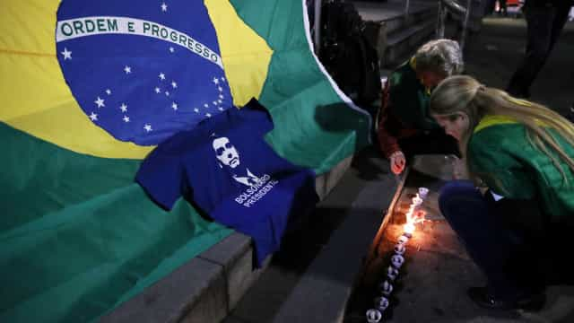 Candidato presidencial Jair Bolsonaro apresenta quadro médico estável
