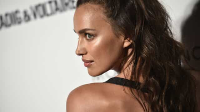 Irina Shayk 'brilha' entre as famosas presentes nos Fashion Media Awards