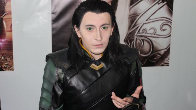 Serg Loki, o cosplayer russo que faz de deus e de rei