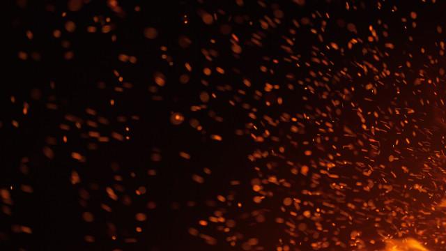 Grupo desconhecido incendeia aldeia no norte de Moçambique
