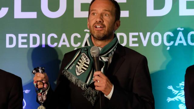 Frederico Varandas explica medalha que tirou do bolso durante discurso