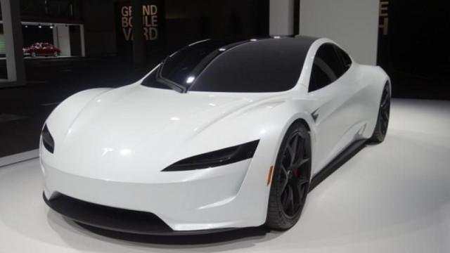 Tesla Roadster já esteve em solo europeu