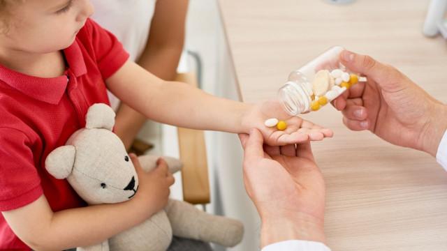 """PAN quer debater prescrição """"precoce"""" de fármacos a crianças hiperativas"""