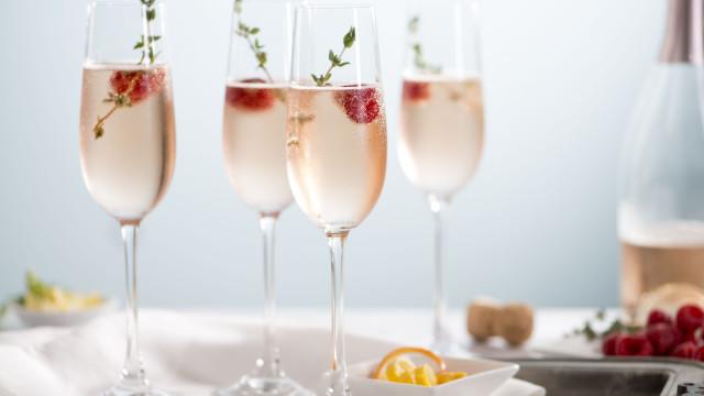 Para melhorar os seus cocktails, 'brinque' com o gelo