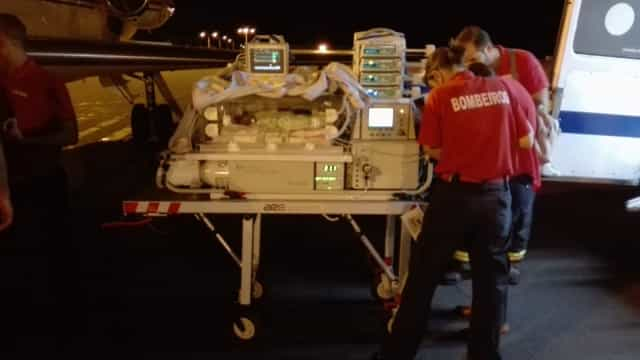 Recém-nascido com pré-asfixia transportado pela Força Aérea dos Açores