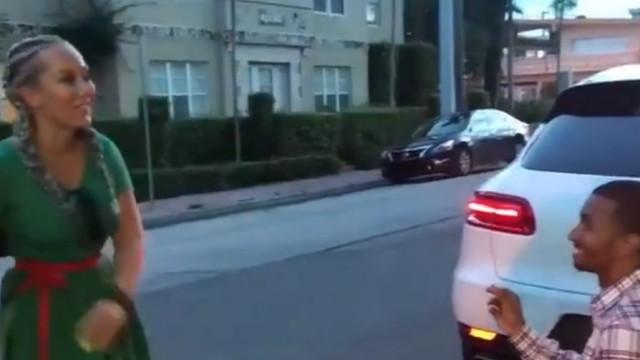 Polícia ajudou com pedido de casamento ao mandar parar carro