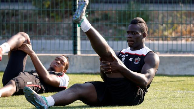 L'Équipe: Balotelli apresentou-se aos trabalhos com 100 quilos
