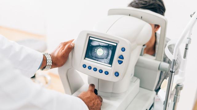 """Optometristas """"profundamente indignados"""" com normas ignoradas em rastreio"""