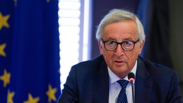 """Juncker garante que """"não há qualquer espaço para uma renegociação"""""""
