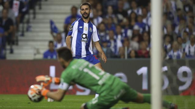 Última oportunidade para Adrián López?