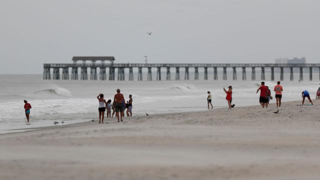 Florence já está a provocar chuvas e ventos fortes na Carolina do Norte