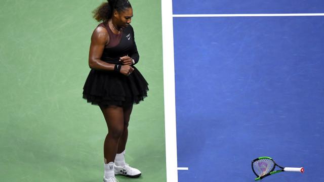 """McEnroe sai em defesa de Serena Williams: """"Teria feito muito pior"""""""