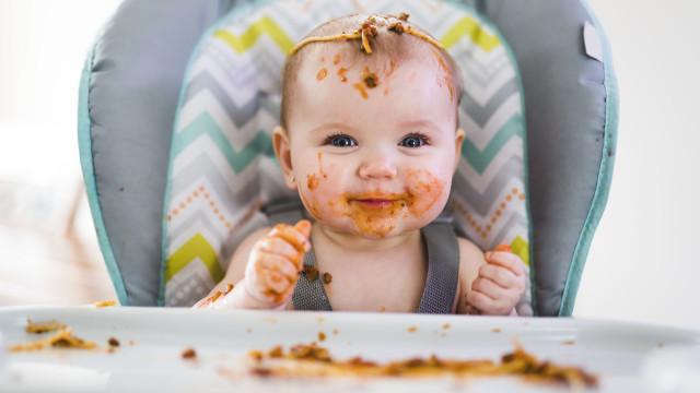Não se brinca com a comida! Ou se calhar até pode fazê-lo