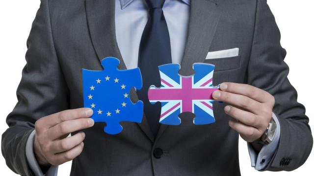 Brexit: Há risco de o Parlamento britânico rejeitar acordo