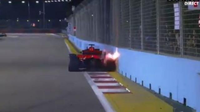 GP de Singapura: Vettel bateu no muro e até 'voaram' faíscas