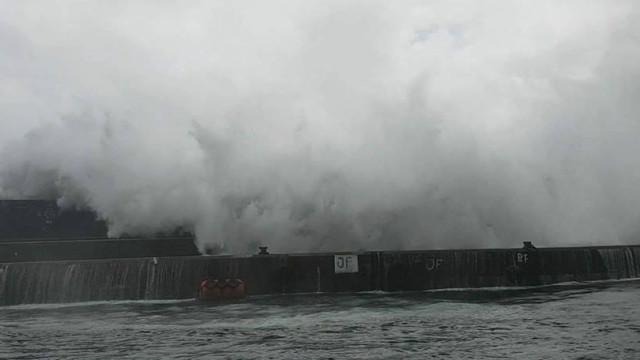 Helene já está nos Açores. Veja as imagens da tempestade
