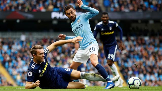 Guardiola desfaz-se (novamente) em elogios a Bernardo Silva
